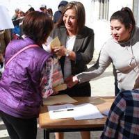 DIF de Papalotla entrega estímulos y despensas a estudiantes de nivel básico