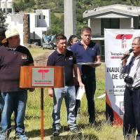 Alcalde de Tecopilco, entrega ampliación de energía eléctrica y alumbrado público