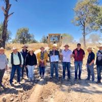 Realizan mantenimiento en casi 6 km de caminos sacacosecha de Tecopilco