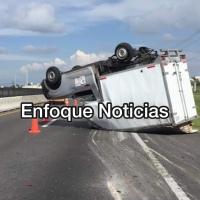 Falla mecánica y velocidad provocan volcadura en la México – Veracruz
