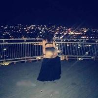 Mujer posa desnuda en escalinatas de Tlaxcala