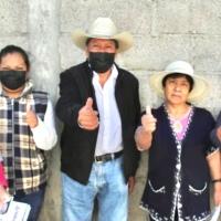 En Zacatelco, Gonzalo Díaz camina al lado de candidatos de comunidades